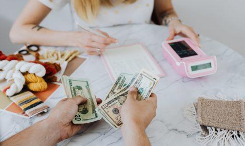 Finanse w związku, czyli czy potrafimy rozmawiać ze swoją ?drugą połówką?  o pieniądzach?